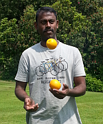 juggling_at_Keele_June_2013